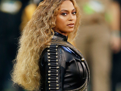 Did You Catch Beyonce's Tribute to Michael Jackson at the Super Bowl?