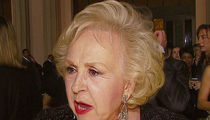 Doris Roberts Died More Than a Year Ago and People Are Just Now Realizing